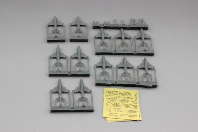 A-6E (x6)\; KA-6D (x2)\; EA-6B (x4) plane set